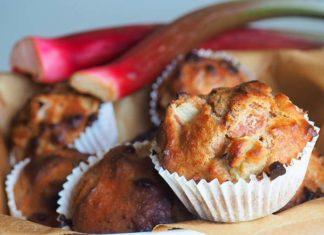 Ciasto drożdżowe z rabarbarem i czekoladą – sprawdź nasz pyszny przepis!